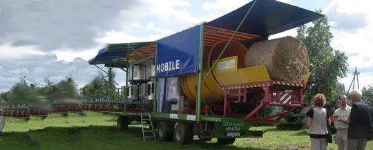 Sveriges första mobila brikettanläggning för rörflen nu invigd